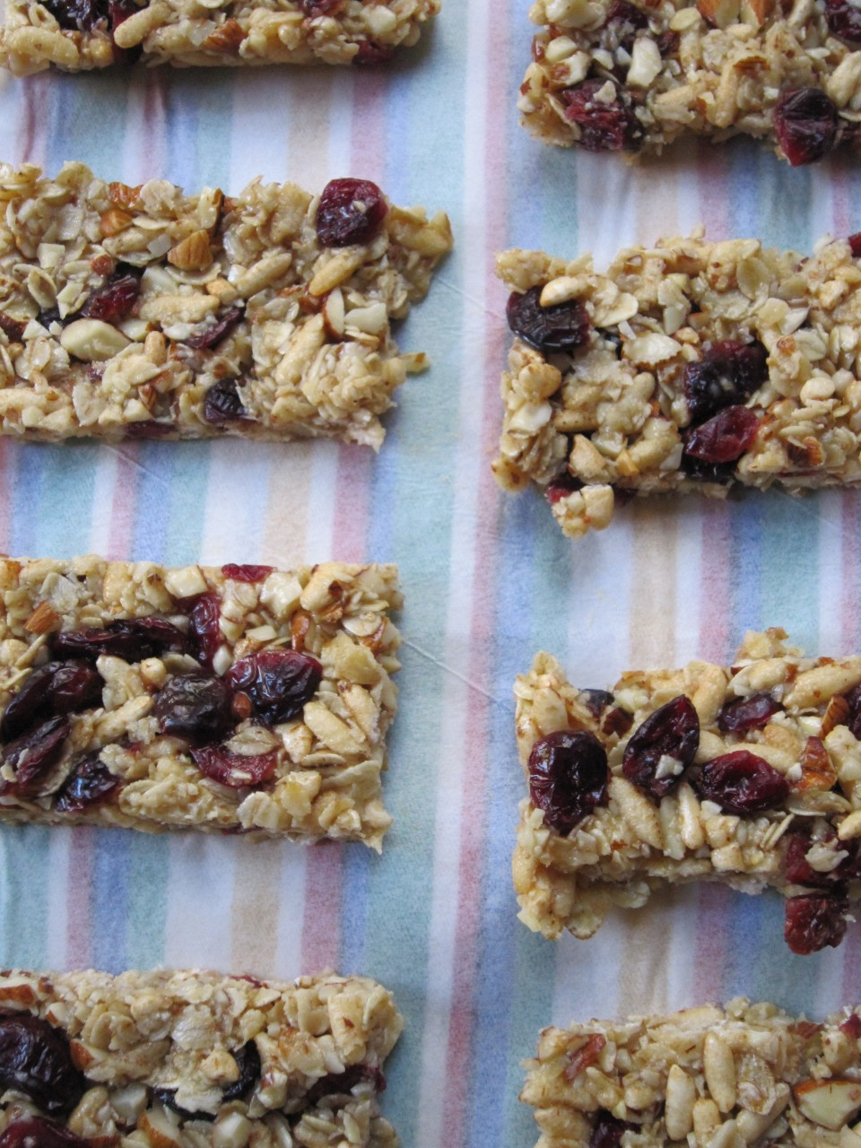 Make: Super Easy Cereal Bars