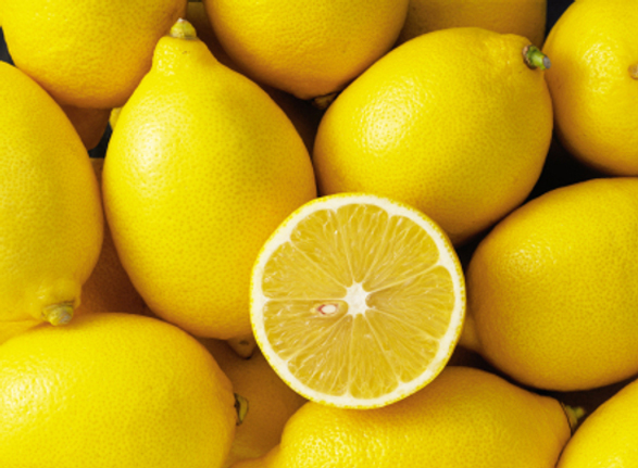 5 Reasons Why You Should Start Every Day with Warm Water and Lemon