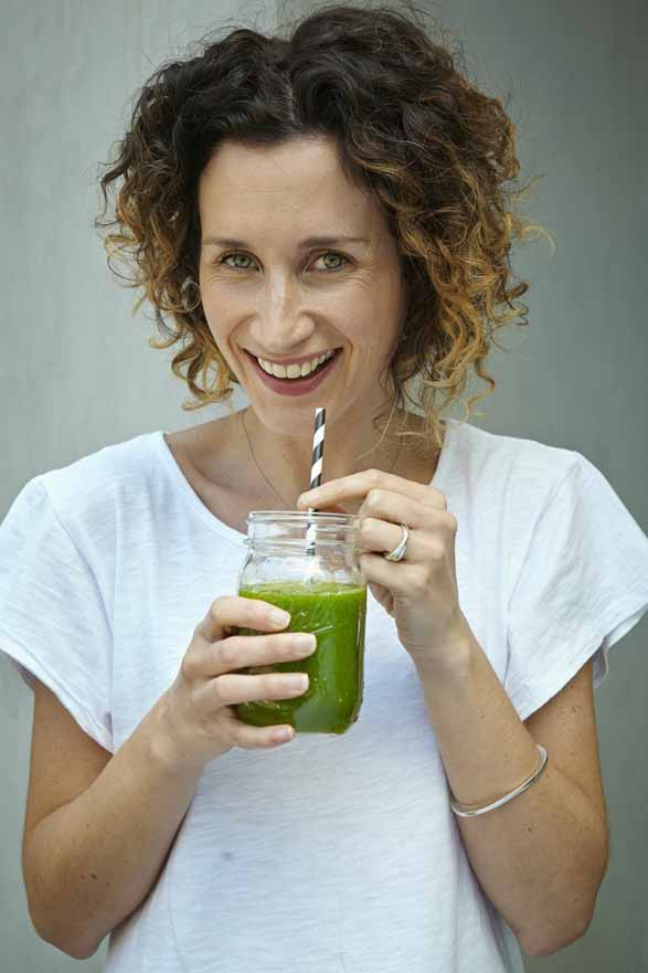 21 Shades of Green: A Green Smoothie Recipe Book
