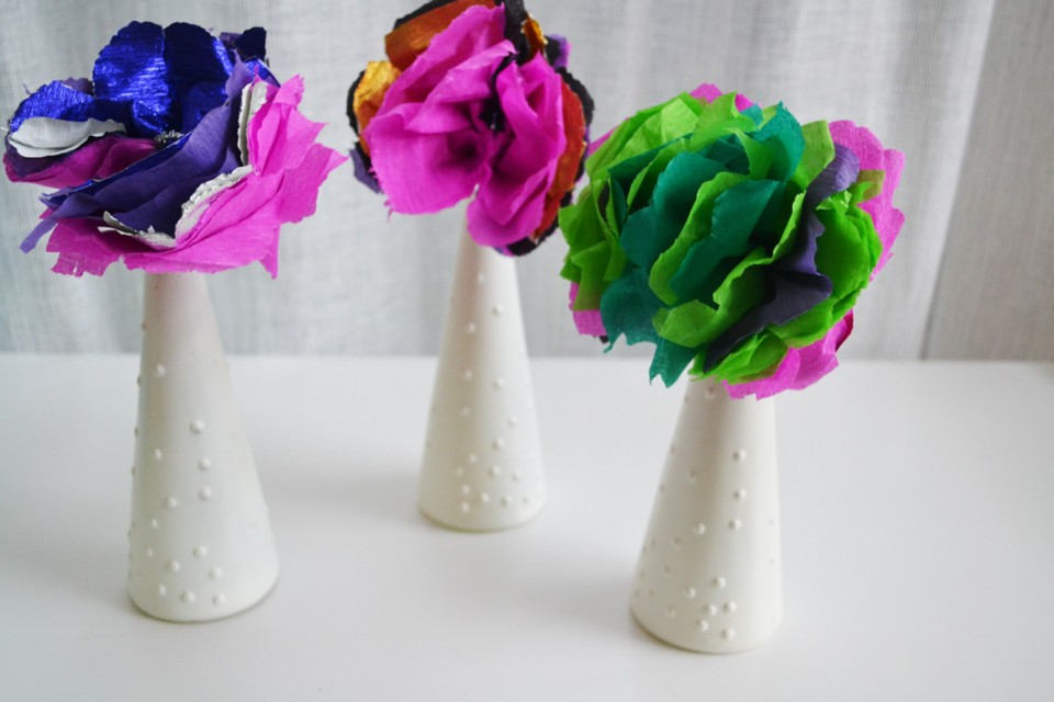 Kids Craft: How To Make Pretty Paper Flowers