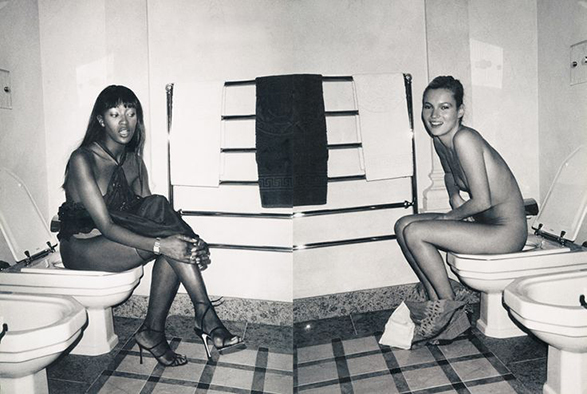 kate-moss-naomi-campbell-on-the-toilet