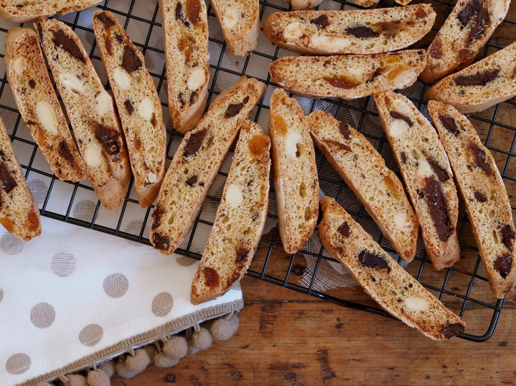... Your Oven When Baking. Plus, Glace Apricot & Chocolate Biscotti Recipe
