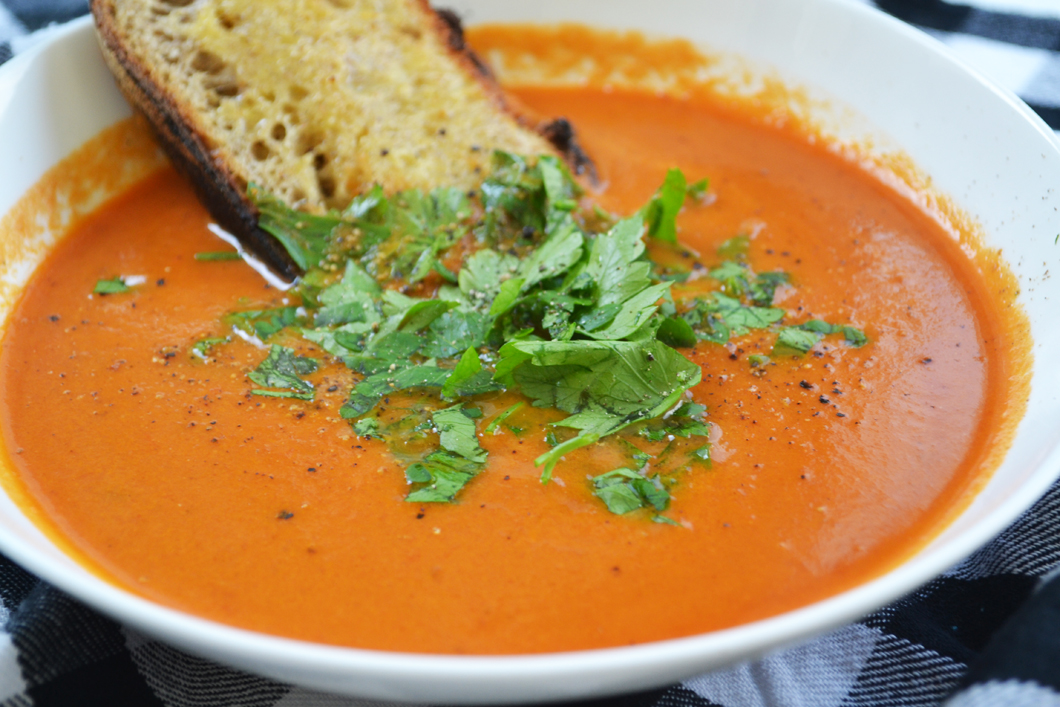 Recipe: Smoky Tomato and Bacon Soup • Checks and Spots