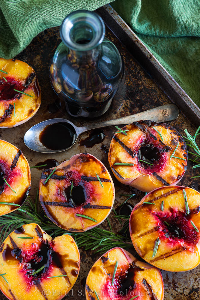 grilled-peaches-easy-grilling-recipes