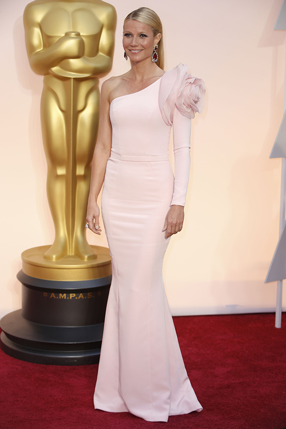 Gwyneth-paltrow-oscars-2015-red-carpet