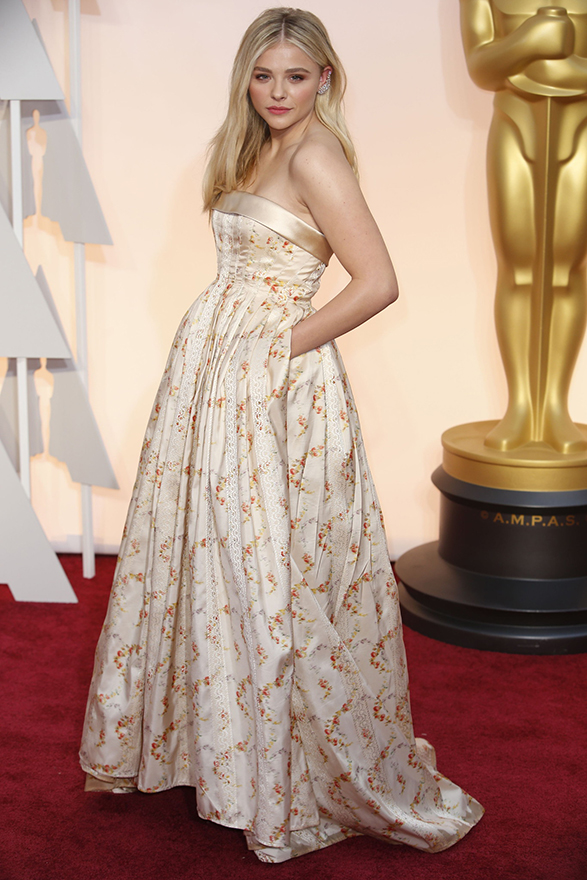 chloe-grace-moretz-oscars-2015-red-carpet