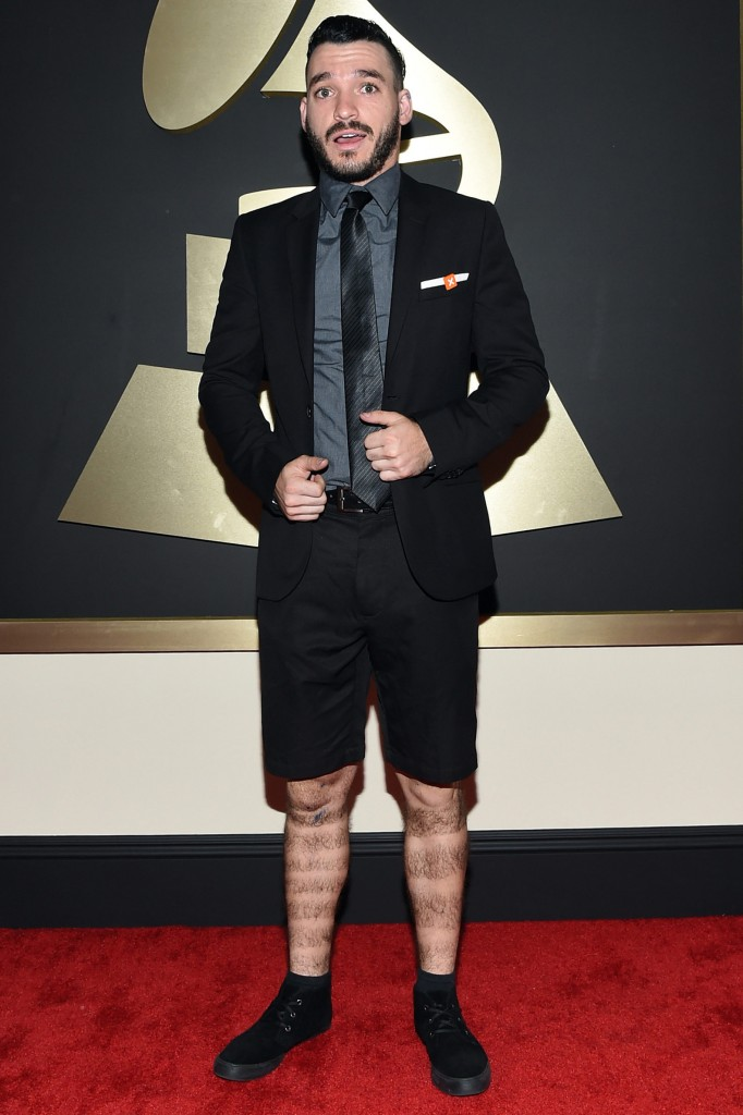 elton-castee-2015-grammys-red-carpet