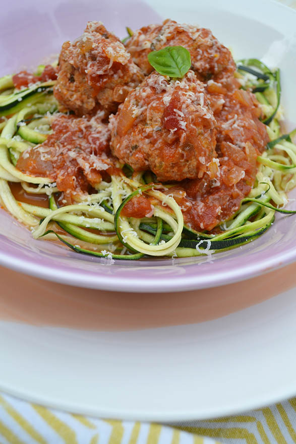 zucchni-zoodles-and-meatballs-recipe-2