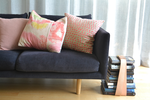 ow-to-update-your-living-room-with-cushions-2
