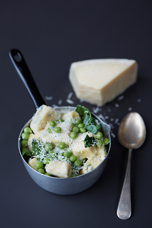 ricotta-and-mint-gnocchi-with-spring-peas-and-spinach
